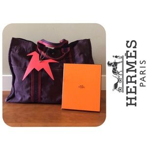 Hermes Fourre Tout MM in Burgundy